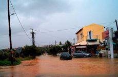 «Πνίγηκε» η Κρήτη από την κακοκαιρία