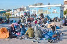 Και πάλι πρόσφυγες σε πάρκα και πλατείες