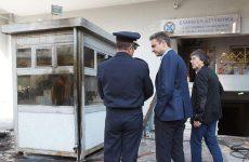 Στη Βουλή την επίθεση στο Α.Τ. Πεύκης φέρνει ο Πρόεδρος της Ν.Δ – Τζανακόπουλος: «Σερίφης» ο Μητσοτάκης