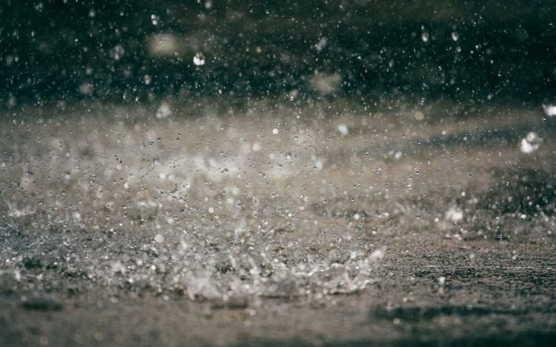 Βροχές, καταιγίδες και χαλάζι από τον «Δαίδαλο» – Υδροστρόβιλος στην Κεφαλονιά