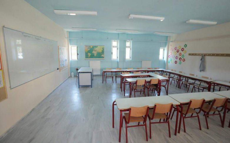 Ένα μήνα χωρίς καθηγητές στα βασικά