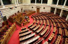 Σε θέση άμυνας η κυβέρνηση – Ψηφίστηκε η τροπολογία