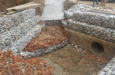 Κατασκευή τοιχίου στο χωριό Καλαμάκι