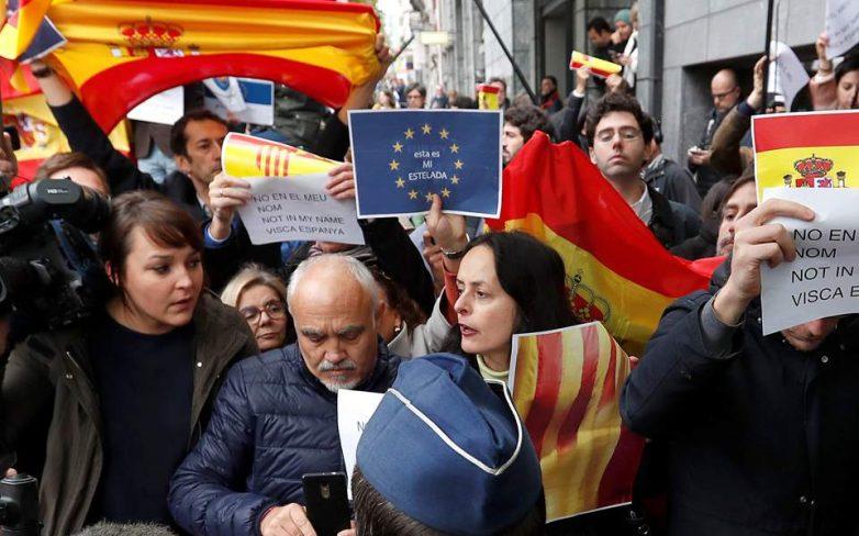 Λευκή σημαία Πουτζντεμόν στις Βρυξέλλες