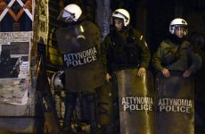 Handelsblatt: «Σκιά φόβου πάνω από την Αθήνα»
