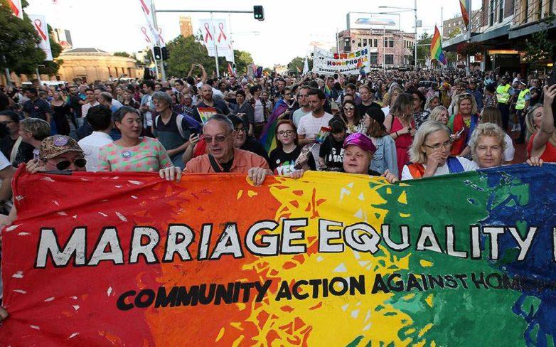 Συντριπτικά υπέρ των ομόφυλων γάμων οι Αυστραλοί