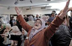 Δάκρυα χαράς και… πίκρας για τα ισόβια σε Μλάντιτς