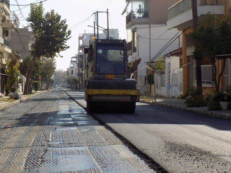 Ολοκληρώνονται οι εργασίες ασφαλτόστρωσης της οδού Φιλαδελφείας