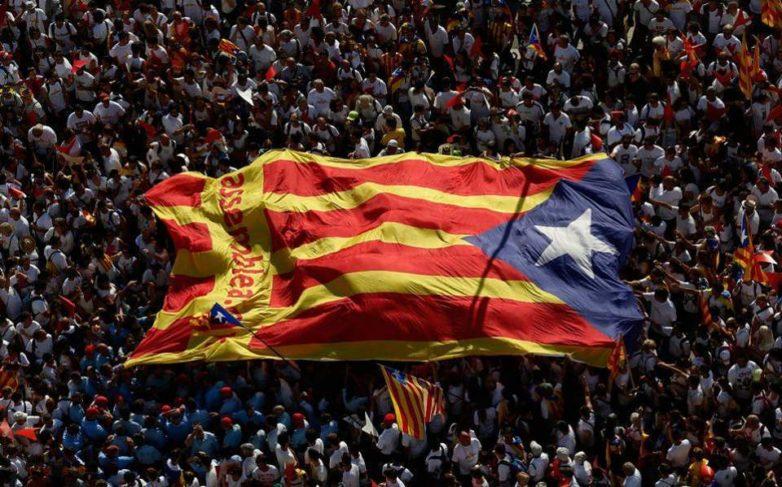 Καταλωνία: Τα κόμματα υπέρ της ανεξαρτησίας θα κερδίσουν στις εκλογές, σύμφωνα με δημοσκόπηση