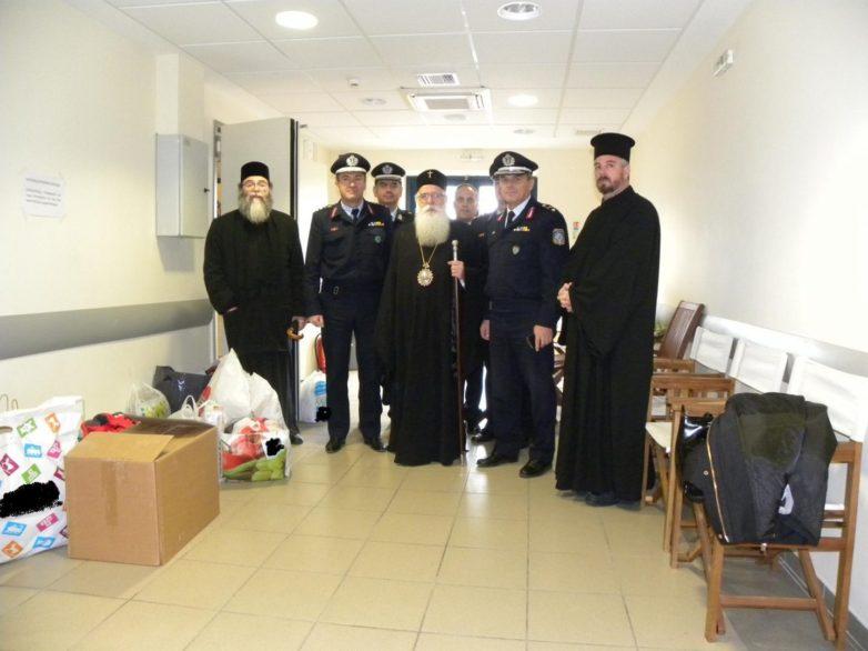 Οι Αστυνομικές Υπηρεσίες της Θεσσαλίας προσφέρουν τρόφιμα, ρούχα, παιχνίδια και άλλα είδη σε κοινωφελή ιδρύματα και φορείς