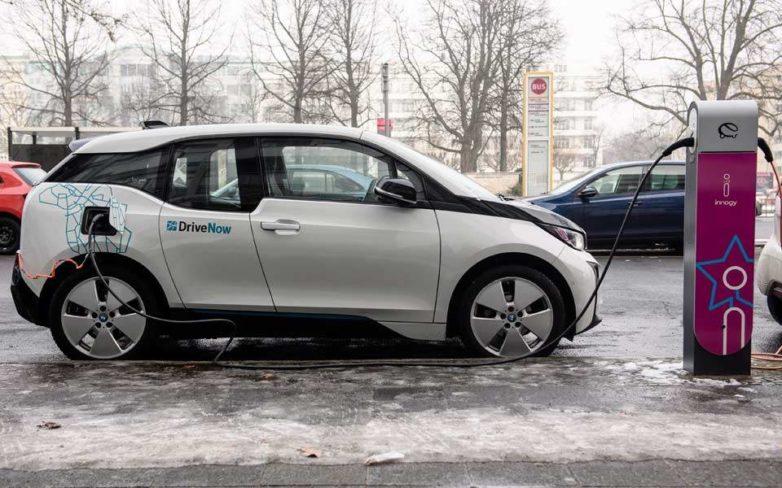 Το 2024 τα ηλεκτρικά αυτοκίνητα θα έχουν τιμή συμβατικών