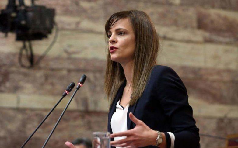 Κατατίθεται στη Βουλή το ν/σ για τη μείωση των ασφαλιστικών εισφορών