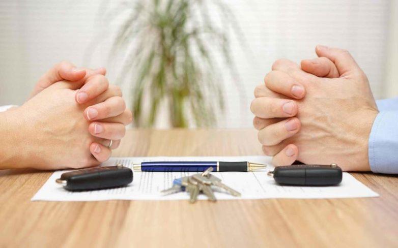 Στο ΦΕΚ ο νόμος που θεσπίζει τα διαζύγια μέσω συμβολαιογράφου – τι προβλέπει