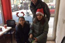 Χριστουγεννιάτικα κάλαντα τραγούδησαν παιδικές φωνές στην αγορά του Βόλου