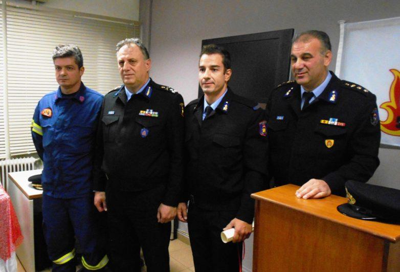 Τον ζήλο και το θάρρος δύο Boλιωτών πυροσβεστών τίμησε ο Αρχηγός του Πυροσβεστικού Σώματος