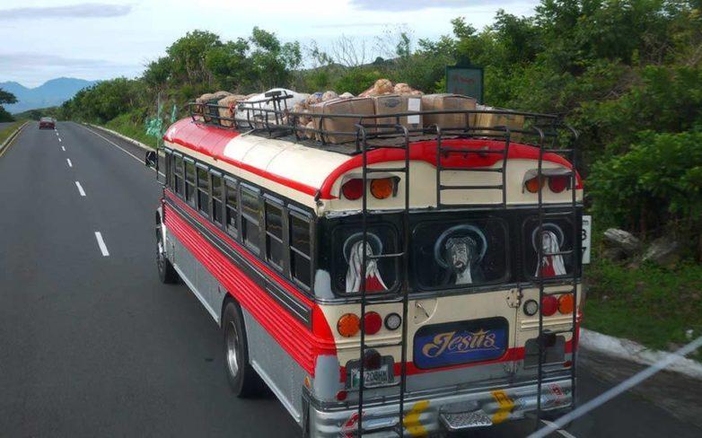Γουατεμάλα: Τουλάχιστον οκτώ νεκροί και 15 τραυματίες από πτώση μικρού λεωφορείου σε ρεματιά