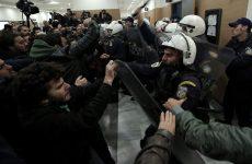 Αστυνομικοί κατά κυβέρνησης για τους πλειστηριασμούς: Δεν θα ξεσπιτώσουμε εμείς τους Ελληνες