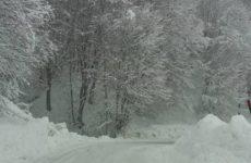 Στο ένα μέτρο  το χιόνι στα Χάνια Πηλίου