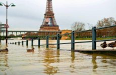 Σε επιφυλακή για πλημμύρες το Παρίσι