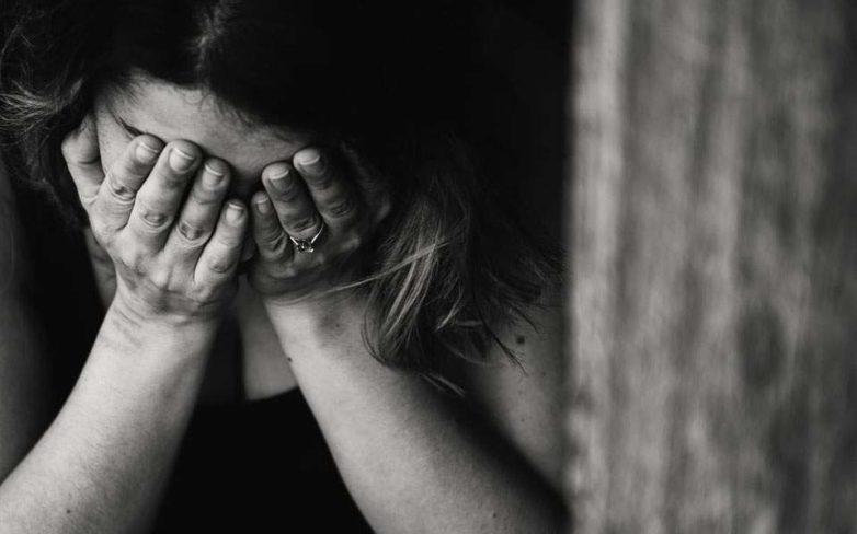 Χτυπούσε την κόρη και βίαζε τη γυναίκα του …οικογενειάρχης στο Πήλιο