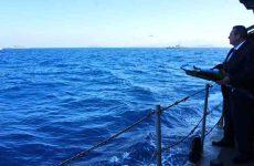Ρίψη στεφάνου από Καμμένο υπό το βλέμμα των Τούρκων
