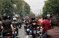 Μηχανοκίνητη πορεία αντιεξουσιαστών στο κέντρο της Θεσσαλονίκης με αφορμή το συλλαλητήριο