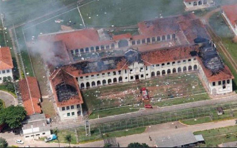 Βραζιλία: Τουλάχιστον 100 δραπέτες διαφεύγουν μετά την αιματηρή εξέγερση