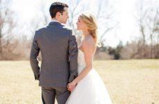 Βρετανία: Ιερέας επέβαλε πρόστιμο 110 ευρώ στις νύφες που αργούν να πάνε στον γάμο