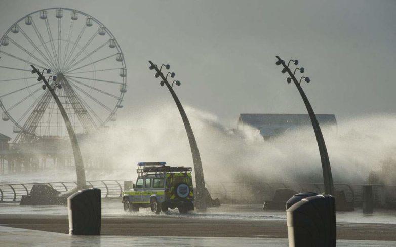 Καταιγίδες σαρώνουν τη Δυτική Ευρώπη