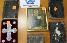 Μετέτρεψε το σπίτι του σε …μουσείο εκκλησιαστικών κειμηλίων