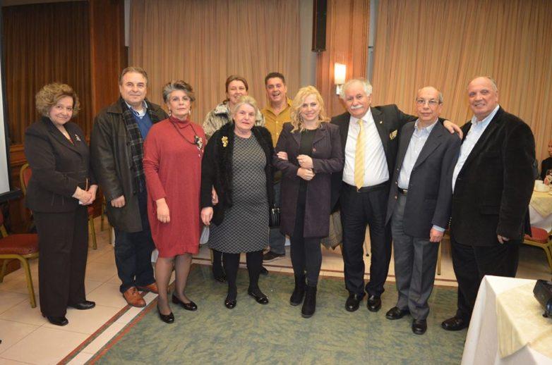 Τιμήθηκε στο Βόλο η δημοσιογράφος Αθηνά Κρικέλη στην κοπή της πίτας των Ελασσονιτών  Μαγνησίας