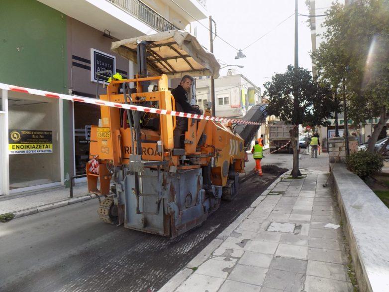 Συνεχίζονται  οι εργασίες αποκατάστασης – ασφαλτόστρωσης της οδού 28ης Οκτωβρίου