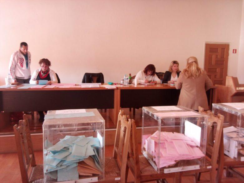 «Διόρθωση» στην τροπολογία για τις εκλογές