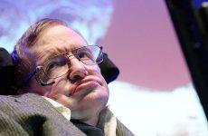 Πέθανε σε ηλικία 76 ετών ο διάσημος αστροφυσικός Στίβεν Χόκινγκ
