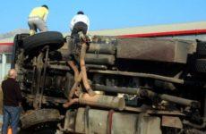 Νταλίκα συγκρούστηκε με αυτοκίνητο στον περιφερειακό του Βόλου