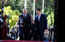 Μαξίμου προς Ερντογάν: «Απαράδεκτα και απορριπτέα» τα περί ανταλλαγής