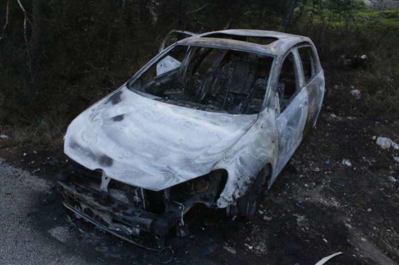 Τυλίχτηκε στις φλόγες αυτοκίνητο στο Βόλο