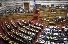 Βουλή: Συγκυβέρνηση και Χ.Α. γράφουν τον επίλογο της Novartis