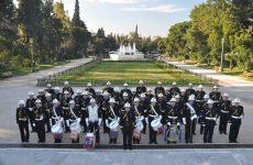 Η Μπάντα  του Πολεμικού Ναυτικού παίζει για τον «Ιππόκαμπο»