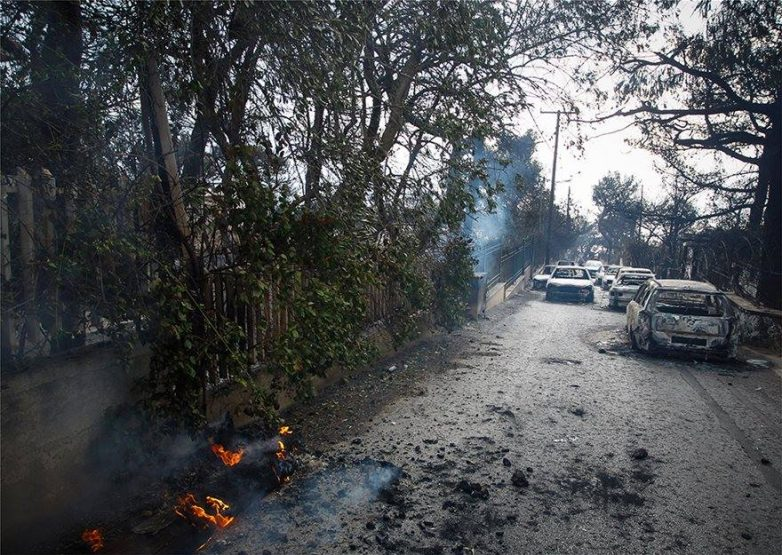 «Σβήσαμε τα πτώματα με τον πυροσβεστήρα του περιπολικού»