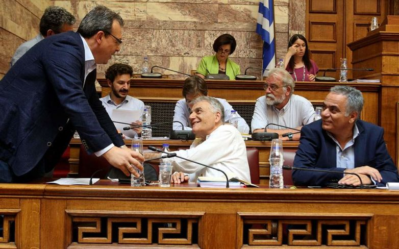Η κυβέρνηση αρνήθηκε τη δυνατότητα ψήφου στους Έλληνες του εξωτερικού