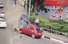 Αυτοκίνητο παρέσυρε πεζούς στο Σότσι