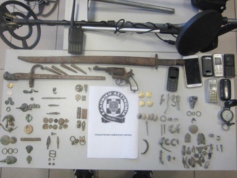 Παράνομη ανασκαφή και αρχαιολογική έρευνα σε Λάρισα και Καρδίτσα