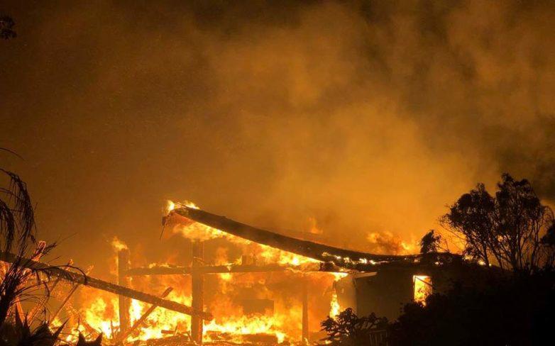 Πυρκαγιά επεκτείνεται με ταχύτητα στην Καλιφόρνια