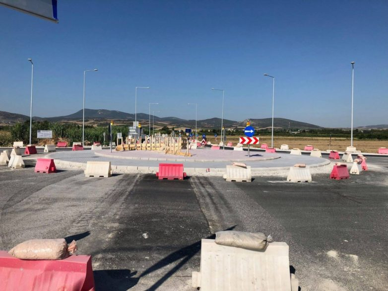 Ξεκινά η κατασκευή δέκα κυκλικών κόμβων στην ΠΕ Τρικάλων