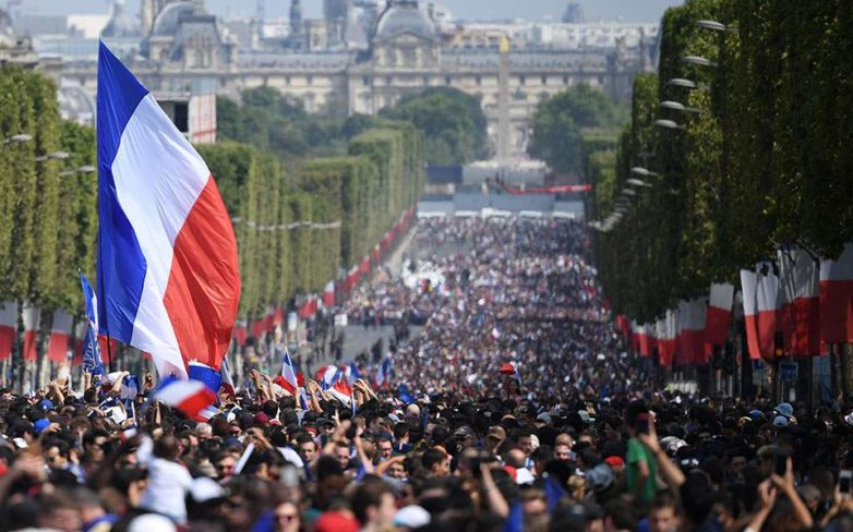 Tο Παρίσι υποδέχεται τους παγκόσμιους πρωταθλητές