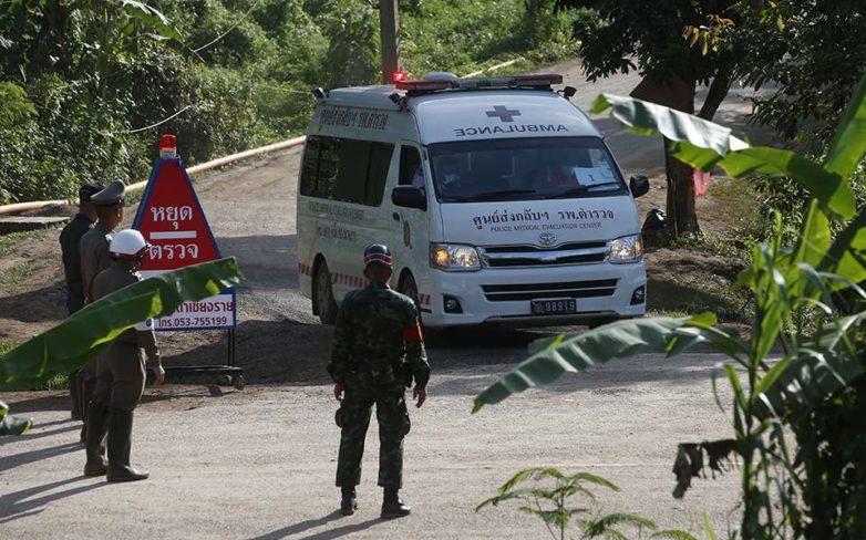 Απεγκλωβίστηκαν άλλα δύο παιδιά από το σπήλαιο της Ταϊλάνδης