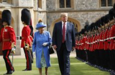 Δεκτός από την βασίλισσα Ελισάβετ ο Τραμπ