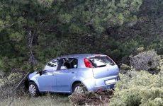 Φύλακα άγγελο είχαν δύο άτομα που το αυτοκίνητό τους  έπεσε σε χαράδρα