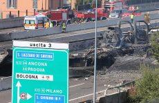 Δύο νεκροί και 60 τραυματίες από έκρηξη έξω από τη Μπολόνια